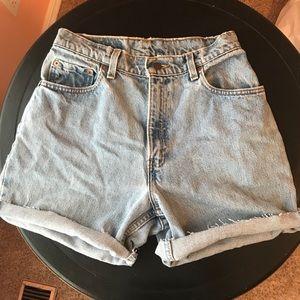Vintage levi shorts size 8